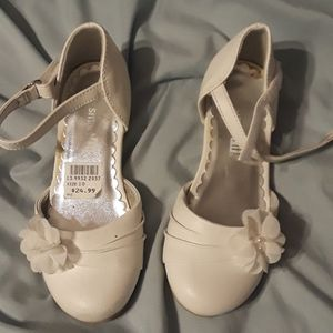 Girls dress shoes, size 10